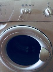 Продам б/у стиральную машину на запчасти